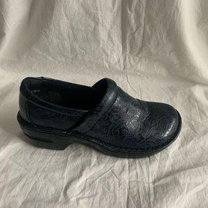 "BOC Size 8M Blue Boho Shoes Wedge 2.25"" Front 0.5"""